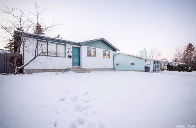 111 Fisher Crescent, Saskatoon, SK S7L 5S6 (MLS #SK793527) :: The A Team