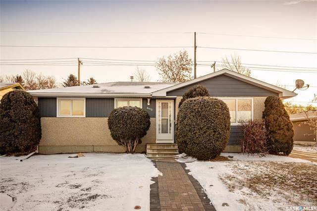 2415 Woodward Avenue, Saskatoon, SK S7J 2E4 (MLS #SK795585) :: The A Team