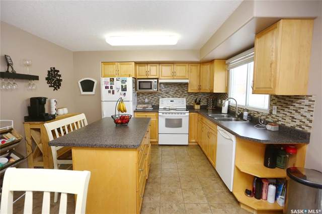 227 Streb Crescent, Saskatoon, SK S7M 4S1 (MLS #SK796491) :: The A Team