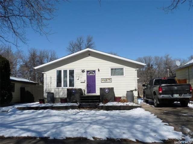 736 Stadacona Street W, Moose Jaw, SK S6H 2A5 (MLS #SK803196) :: The A Team