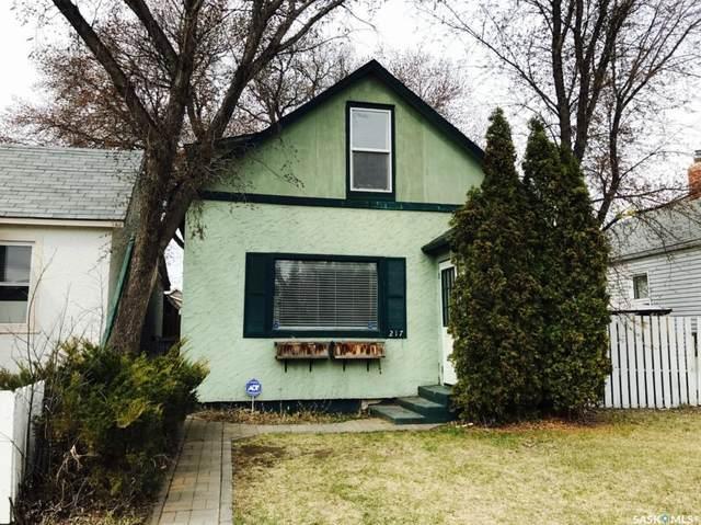 217 L Avenue N, Saskatoon, SK S7L 2P3 (MLS #SK803738) :: The A Team