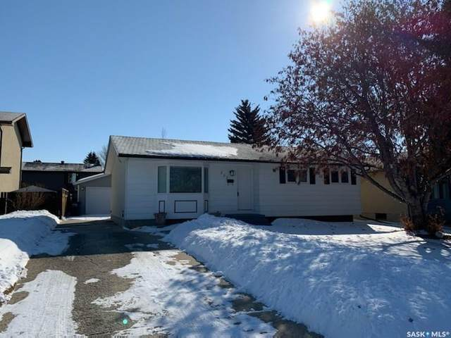 237 Clearwater Court, Saskatoon, SK S7K 3Y9 (MLS #SK803812) :: The A Team