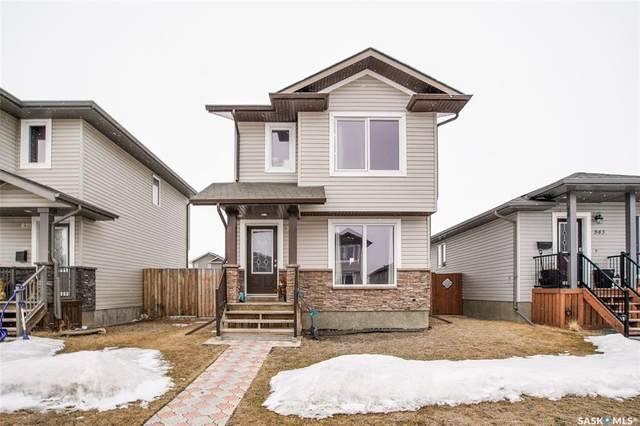 841 Glenview Cove, Martensville, SK S0K 0A2 (MLS #SK803835) :: The A Team