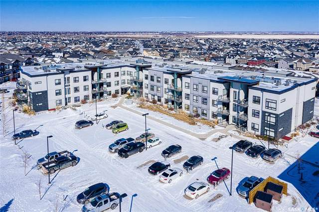 225 Maningas Bend N #321, Saskatoon, SK S7W 0P9 (MLS #SK804058) :: The A Team