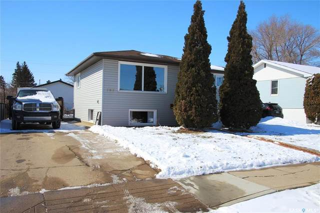 707 Q Avenue N, Saskatoon, SK S7L 2Y2 (MLS #SK804247) :: The A Team