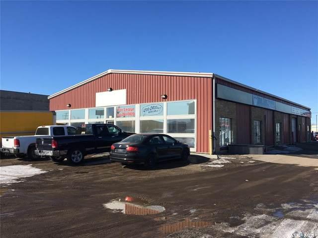 2209-2211 C Avenue N, Saskatoon, SK S7L 5Z2 (MLS #SK804561) :: The A Team