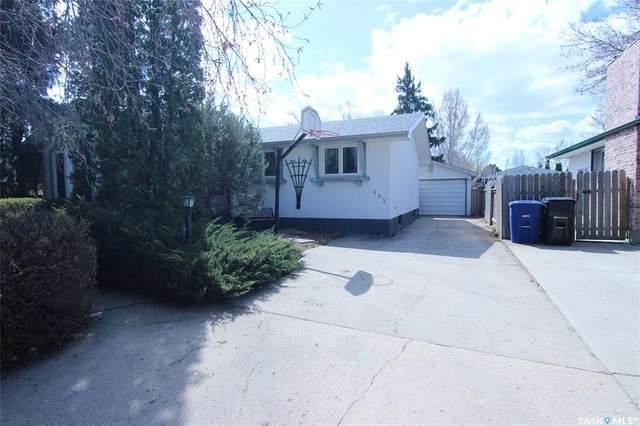 382 Balsam Crescent, Saskatoon, SK S7N 2M1 (MLS #SK808405) :: The A Team