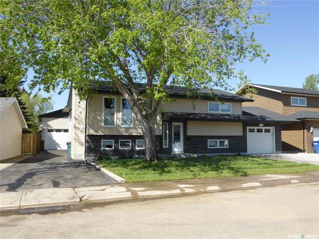 52 Dahlia Crescent, Moose Jaw, SK S6J 1E8 (MLS #SK809729) :: The A Team