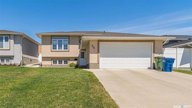 820 Athabasca Street W, Moose Jaw, SK S6H 1N7 (MLS #SK810302) :: The A Team