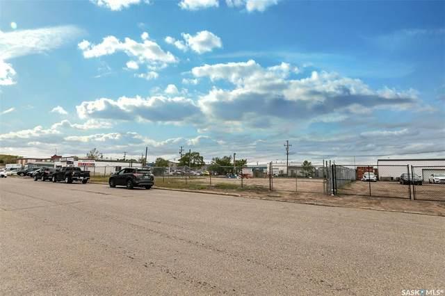512 42nd A Street E, Saskatoon, SK S7K 0V3 (MLS #SK813131) :: The A Team
