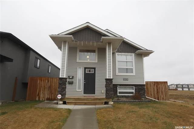 303 Rosewood Boulevard W, Saskatoon, SK S7V 0B8 (MLS #SK815243) :: The A Team