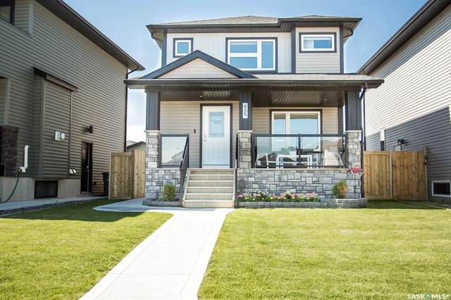 935 Kloppenburg Crescent, Saskatoon, SK S7W 0P2 (MLS #SK815281) :: The A Team