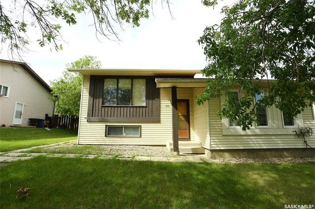 111 Stillwater Drive, Saskatoon, SK S7J 3N7 (MLS #SK815354) :: The A Team