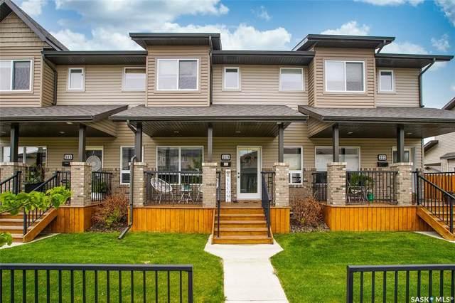319 Willowgrove Lane, Saskatoon, SK S7W 0H5 (MLS #SK815447) :: The A Team