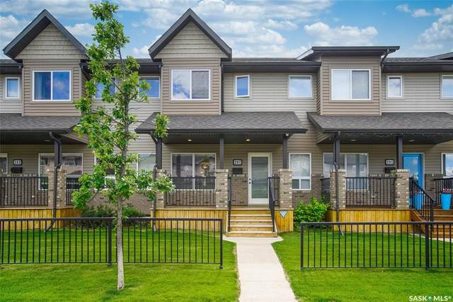 287 Willowgrove Lane, Saskatoon, SK S7W 0H5 (MLS #SK816894) :: The A Team
