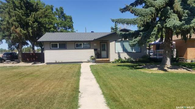 1123 George Street E, Swift Current, SK S9H 1Z5 (MLS #SK820966) :: The A Team