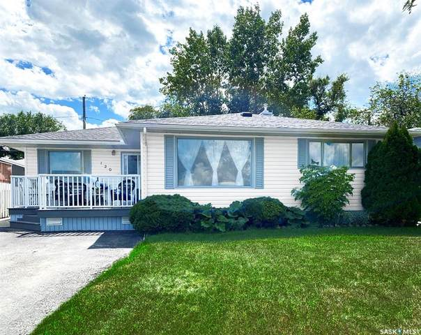 120 Gibbs Street W, Swift Current, SK S9H 2Z7 (MLS #SK828647) :: The A Team