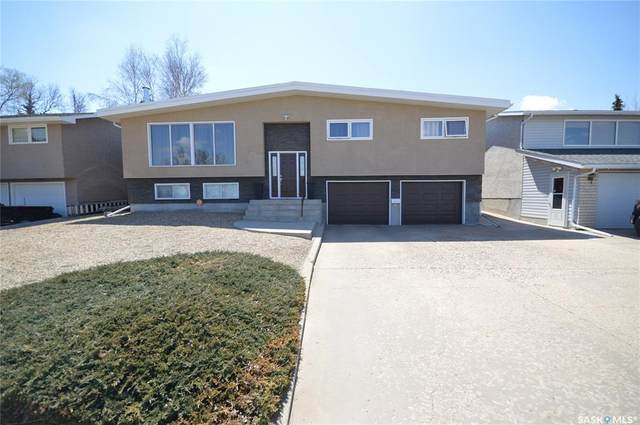 1053 Laurier Street, Moose Jaw, SK S6H 2W6 (MLS #SK828711) :: The A Team