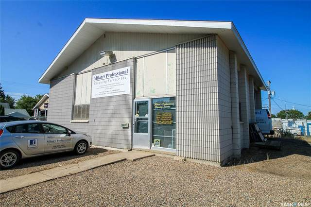 1911 101st Street, North Battleford, SK S9A 1B2 (MLS #SK831309) :: The A Team