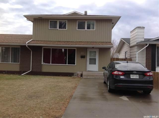 68 Carleton Drive, Saskatoon, SK S7H 3N6 (MLS #SK831599) :: The A Team