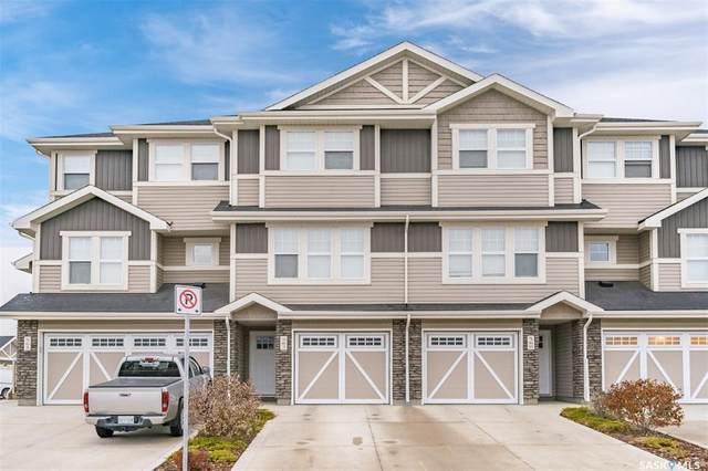 562 Pringle Crescent, Saskatoon, SK S7T 0W9 (MLS #SK831780) :: The A Team