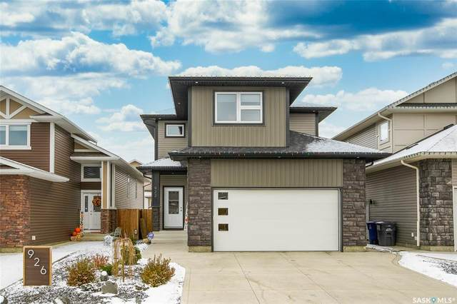 922 Kolynchuk Bend, Saskatoon, SK S7T 0V9 (MLS #SK831943) :: The A Team