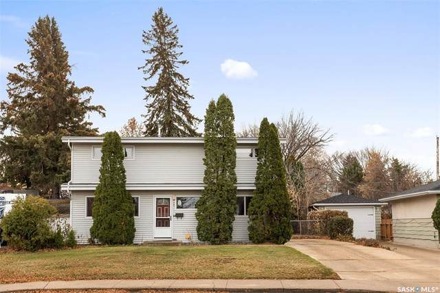 35 Bell Crescent, Saskatoon, SK S7J 2W2 (MLS #SK834118) :: The A Team