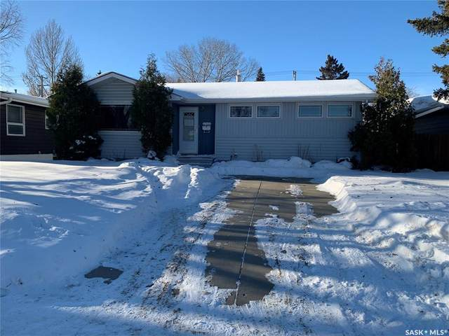 2802 Clarence Avenue S, Saskatoon, SK S7J 1M8 (MLS #SK834841) :: The A Team