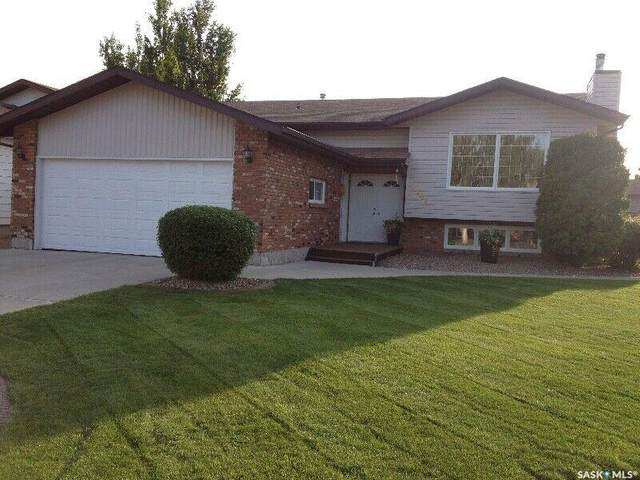 2341 Robin Place, North Battleford, SK S9A 3T6 (MLS #SK842113) :: The A Team