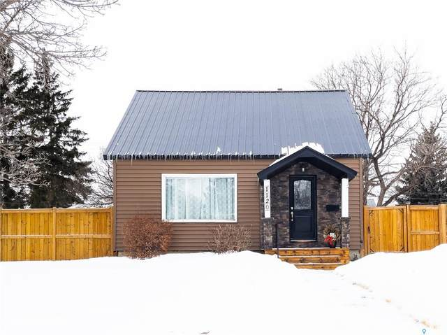 1120 Connaught Avenue, Moose Jaw, SK S6H 4B7 (MLS #SK842773) :: The A Team