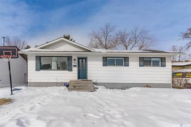 227 Streb Crescent, Saskatoon, SK S7M 4S1 (MLS #SK842946) :: The A Team