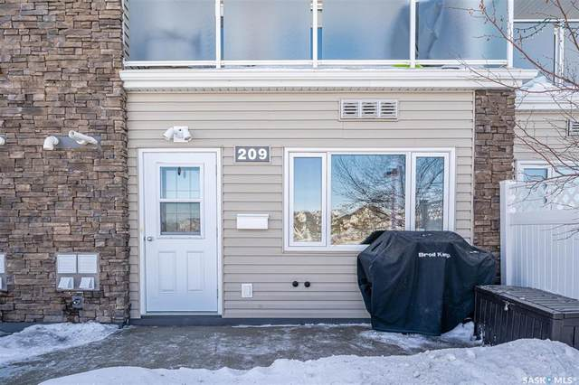 1022 Hampton Circle #209, Saskatoon, SK S7R 0K3 (MLS #SK844485) :: The A Team