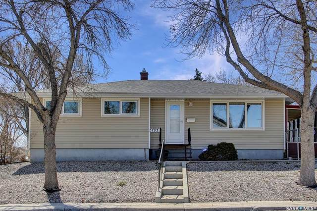 3203 Perry Avenue, Regina, SK S4R 3H7 (MLS #SK850132) :: The A Team