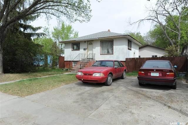 1128 L Avenue S, Saskatoon, SK S7M 2J7 (MLS #SK855464) :: The A Team