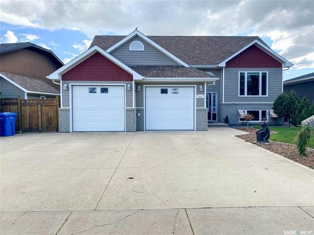 2517 Blue Jay Crescent, North Battleford, SK S9A 3Z3 (MLS #SK858870) :: The A Team