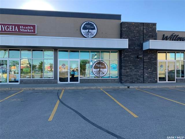 304 Stonebridge Boulevard #50, Saskatoon, SK S7T 0G3 (MLS #SK859538) :: The A Team