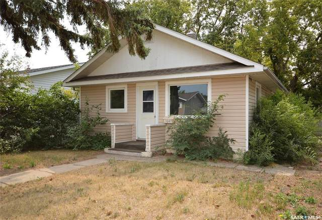1047 Montgomery Street, Moose Jaw, SK S6H 2W9 (MLS #SK867192) :: The A Team