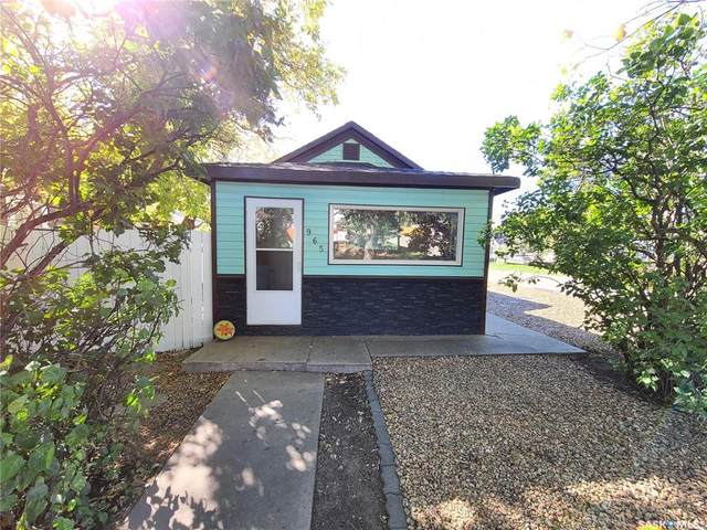 965 Stadacona Street W, Moose Jaw, SK S6H 2A9 (MLS #SK871025) :: The A Team