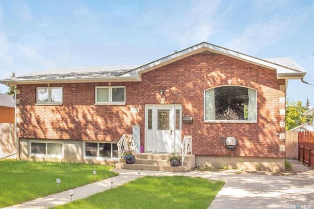 264 6th Avenue SE, Swift Current, SK S9H 3N8 (MLS #SK781660) :: The A Team