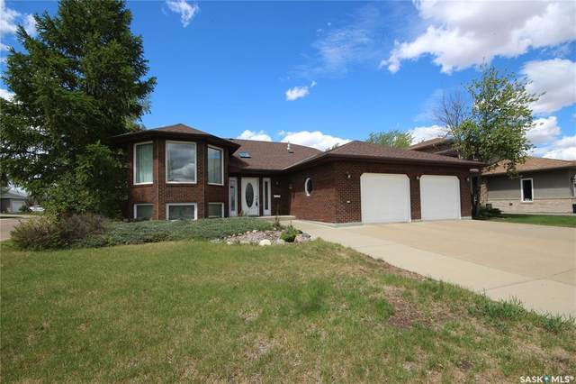 2501 Blue Jay Crescent, North Battleford, SK S9A 3Z3 (MLS #SK846057) :: The A Team