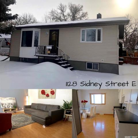 1128 Sidney Street E, Swift Current, SK S9H 1T9 (MLS #SK758435) :: The A Team