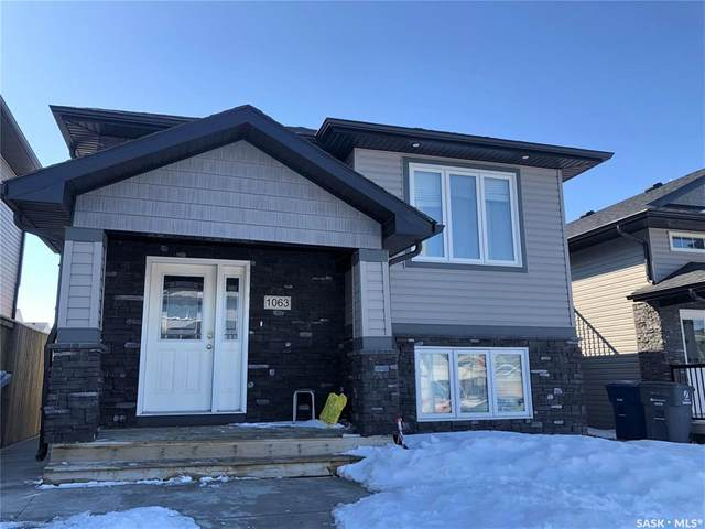 1063 Kloppenburg Bend, Saskatoon, SK S7W 0P4 (MLS #SK803817) :: The A Team