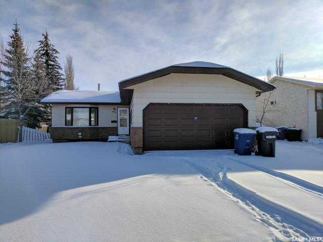155 Weyakwin Drive, Saskatoon, SK S7J 4M3 (MLS #SK711845) :: The A Team