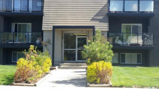 929 Northumberland Avenue #103, Saskatoon, SK S7L 3W8 (MLS #SK717281) :: The A Team