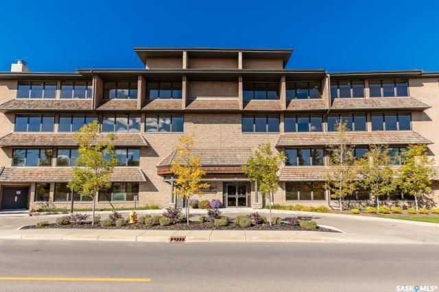 623 Saskatchewan Crescent W #140, Saskatoon, SK S7M 0A5 (MLS #SK732324) :: The A Team