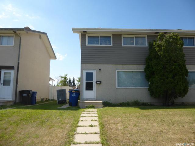 3001 33rd Street W, Saskatoon, SK S7H 4M3 (MLS #SK743893) :: The A Team