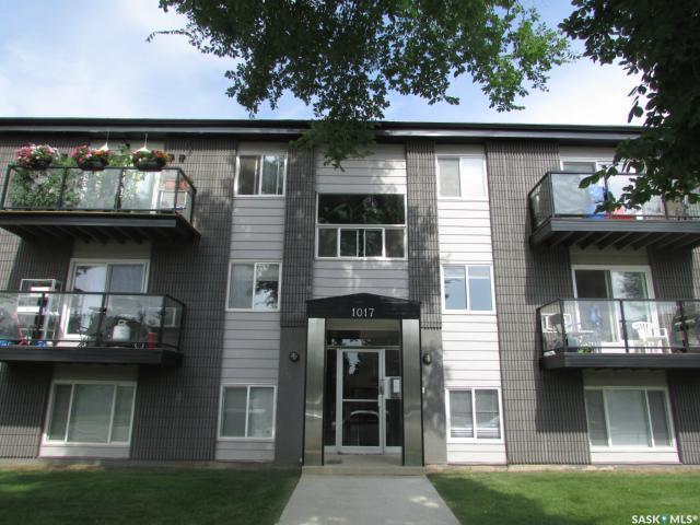 1017 Northumberland Avenue #10, Saskatoon, SK S7J 3X1 (MLS #SK755688) :: The A Team