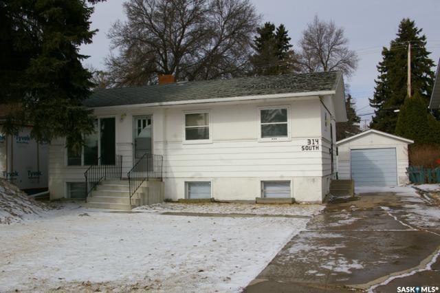 314 Cumberland Avenue S, Saskatoon, SK S7N 1M1 (MLS #SK758437) :: The A Team