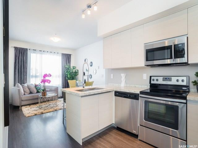 223 Evergreen Square #309, Saskatoon, SK S7S 1N1 (MLS #SK759479) :: The A Team