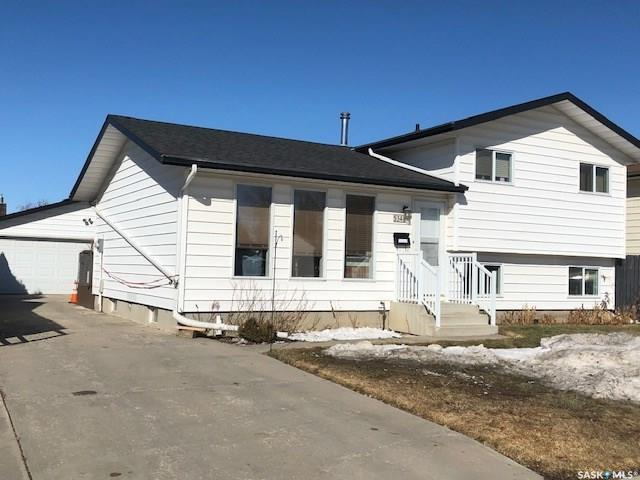 534 Nesbitt Lane, Saskatoon, SK S7L 6K9 (MLS #SK767683) :: The A Team